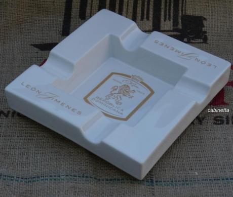 Zigarrenascher Leon Jimenes Porzellan 4 Ablagen 20x20