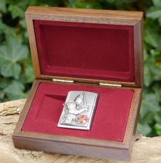 Zippo chrom Templer in Walnuss-Holzbox Limited 1.000 Stück