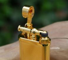 IM CORONA Old Boy gold gekörnt Pfeifenfeuerzeug mit Stopfer
